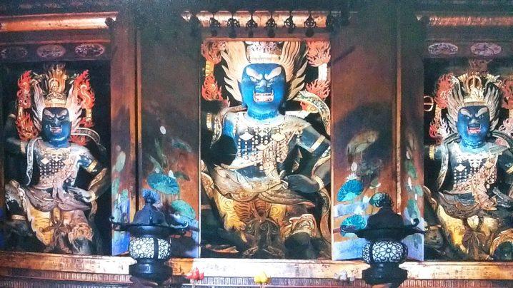 奈良吉野山の青い仏像