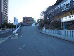 高徳院の駐車場