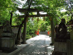 車折神社裏参道の鳥居