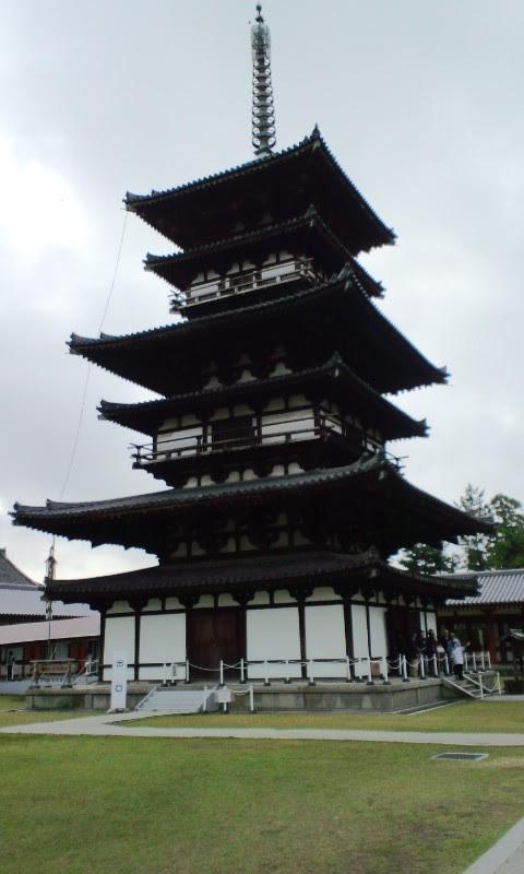 薬師寺東塔(三重塔)