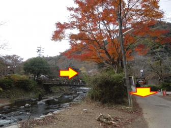 瑠璃光院近くの高野川と橋
