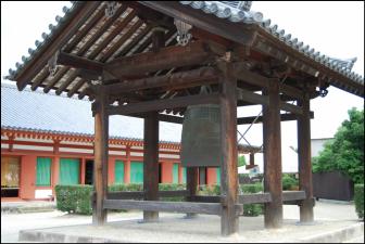 薬師寺鐘楼