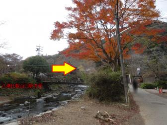 八瀬比叡山口駅近く高野川を渡る