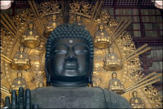 東大寺大仏殿の盧舎那仏(奈良の大仏)