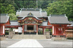 霧島神宮の社殿アイキャッチ画像