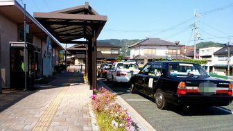 JR市島駅前のタクシー(氷上交通)