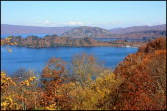 十和田湖発荷峠の紅葉