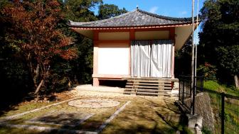 神童寺の収蔵庫