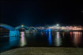 錦帯橋の夜桜ライトアップ